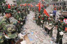 汶川十周年纪念日:回顾汶川大地震100个难忘瞬间