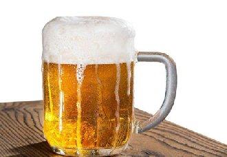 啤酒为什么会有泡沫?倒啤酒减少泡沫的方法