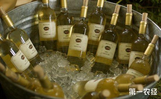 冰镇葡萄酒