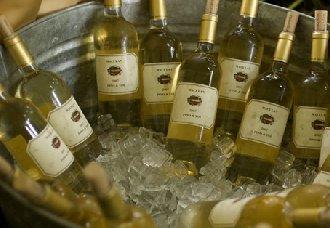怎么冰镇葡萄酒?快速冰镇葡萄酒的方法