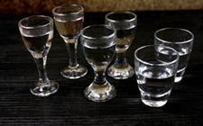 <b>白酒的妙用:去腥除臭、防霉治跌跌、调味防米虫</b>