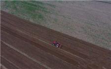 小学操场占用农田被拆除 基本农田红线不能踩