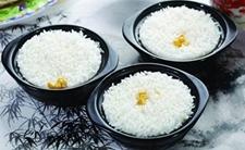 <b>亚洲人不爱吃大米了? 专家:只是饮食结构改善</b>