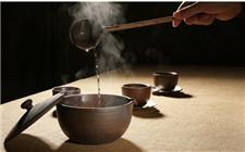 <b>古代人喝酒为什么要先温一遍?其实古代人是对的</b>