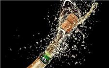 香槟酒开瓶后还能保存多久?香槟酒的保存注意事项