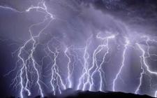印度比哈尔邦雷雨暴袭致27人死亡多人受伤