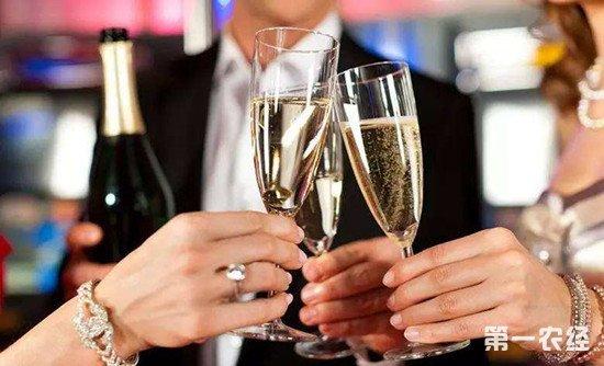 香槟的正确开瓶步骤