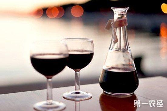 葡萄酒为什么不能配海鲜?什么样的食物与葡萄酒不相配