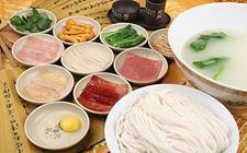 <b>云南特色美食:过桥米线</b>