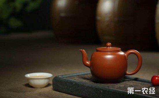 紫砂壶作为中国传统的泡茶器具,在中国始于明朝正德年间,后传承至今