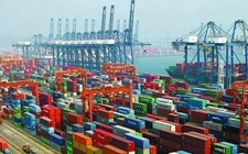 <b>上半年进口额再上升,贸易顺差连续收窄</b>