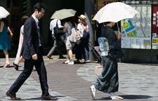 <b>日本暴雨又遭热浪袭击 5人死亡1500多人中暑入院</b>