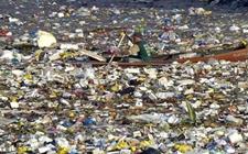 全球白色污染治理任重道远 120亿吨塑料垃圾危害地球环境