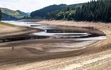"<b>英国持续高温致用水短缺 900万人将被""限水""</b>"