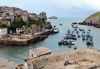 福建台山岛:岛上刮起转业风 渔民的石厝变民宿既增收又致富