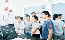 广西钦州:举办食品安全质量检测实验室开放日活动