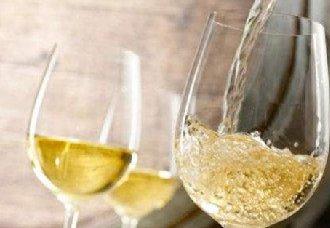 夏天最适合喝白葡萄酒应该如何选购?