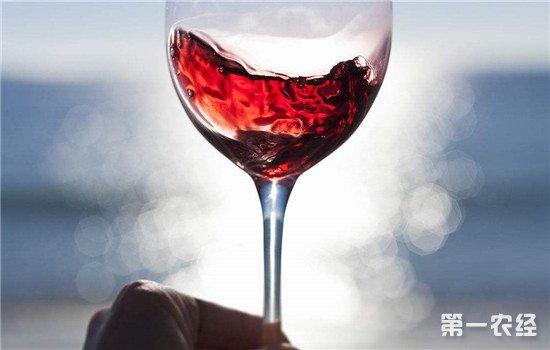 为什么葡萄酒的颜色不一样?