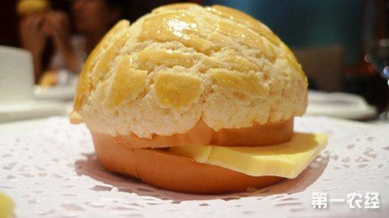 香港特色美食--菠萝油