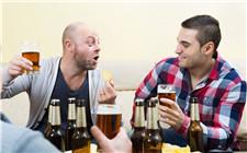 经常过量喝啤酒有什么坏处?这些方面一定要注意