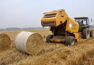 <b>湖南大力推广水稻秸秆机械化处理</b>