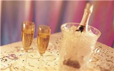 香槟属于葡萄酒吗?香槟是怎么酿造的