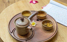 <b>喝茶有哪些禁忌?身体有了这些毛病时应先停止喝茶。</b>