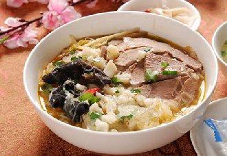 陕西西安特色小吃——羊肉泡馍