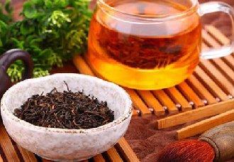 <b>冲泡红茶的水温多少度最好?红茶的冲泡方法与品饮技巧</b>