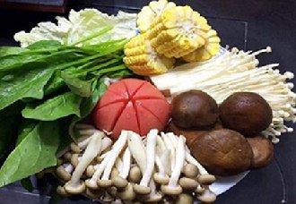 温州鹿城为保冬季市民饮食安全 突击检查多家火锅店食材