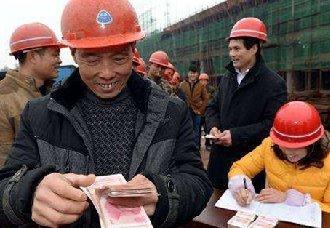 多地完善工资保障制度,农民工欠薪问题得到改善