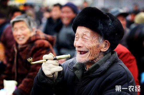 农村养老不仅需要物资支持 还要帮老人解决实际难处