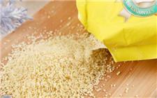 劣质鸡精以香精色素为原料 长期食用对人体有害