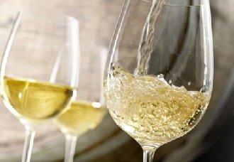 <b>为什么夏天更适合喝白葡萄酒呢?</b>