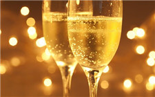 <b>香槟的度数不高为什么容易让人喝醉?</b>