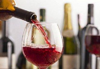 四川正式授牌成立葡萄酒与果酒行业协会