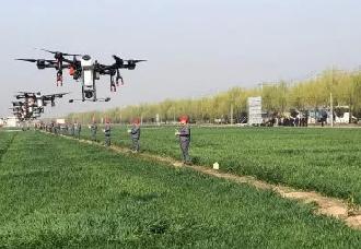 大疆农业斩获亿亩里程碑,冠军职业飞手半年超12万亩